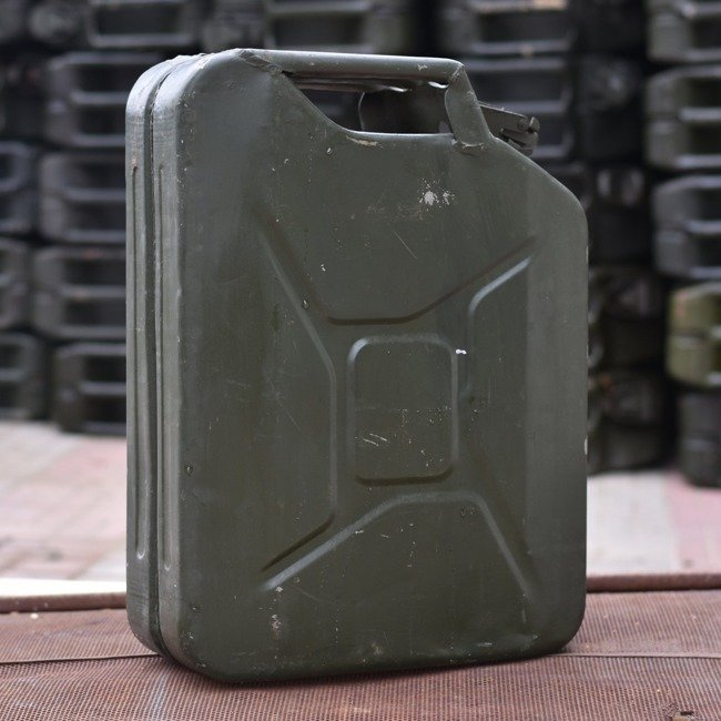 Canister 20 litres, Romanian Army surplus, good condition