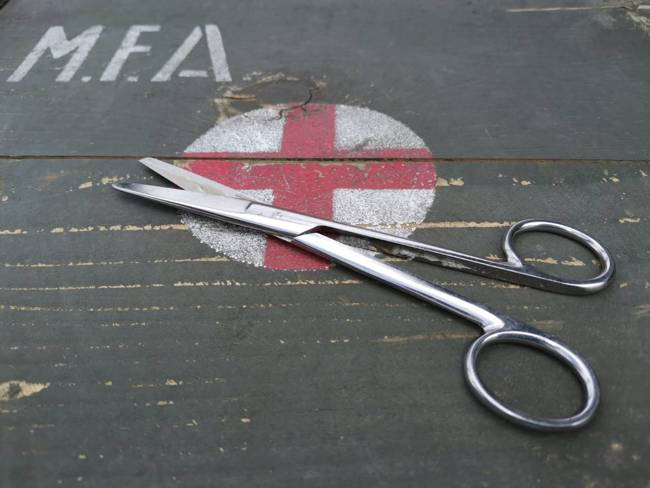 Medical Tools - Scissors - Military Surplus